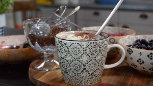Ruby Port med varm choklad och bär drink