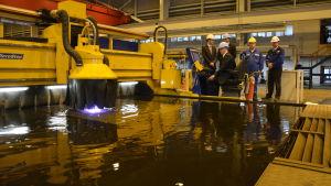 Projektchef Georgios Vagiannis tryckte igång stålarbetet för den nýa generationens Mein Schiff fartyg.