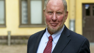 Professor Robert D. Putnam, Harvard University.