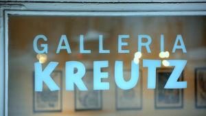 gallerifönster med namn.