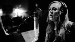 Adele studiossa.