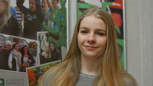 Julia Lönnfeldt går i Gymnasiet Grankulla samskola.