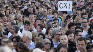 """""""Nej""""-sidans demonstration den inför folkomröstningen om Greklands sparprogram."""