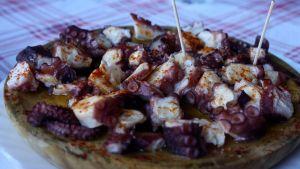 Grillattua mustekalaa ripauksella chiliä