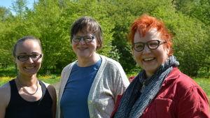 Gruppbild av forskarna Marleena Hagner, Irma Saloniemi och Marjo Helander.