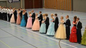 De gamlas dans i Lovisa.