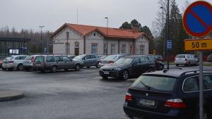 Parkeringen vid Bennäs tågstation