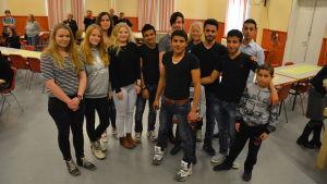 Ungdomar i grupp.