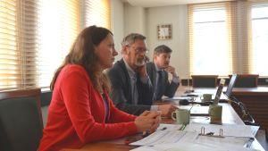 Linda Jakobsson-Pada, Michael Luther och Rurik Ahlberg redogjorde för samarbetsförhandlingarnas resultat.