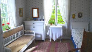 Sovrummet i det gamla karaktärshuset på Lurens.