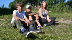 Niklas Westerby, Axel Englund och Veronika Koskinen deltar i skärgårdslägert Ö-kiva.