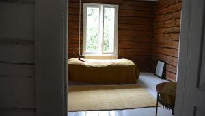 Sovrum hemma hos Rita Bergman i Kårlax, Pargas.