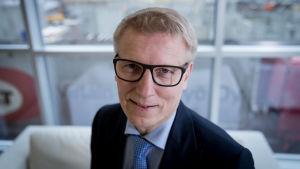 Keskustan poliitikko, kansanedustaja ja ministeri Kimmo Tiilikainen, Yle Pasila, 13.4.2017.