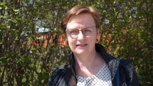 Carina Kristola-Backlund har redigerat Alexey Vostrovs bok om finlandssvenskar