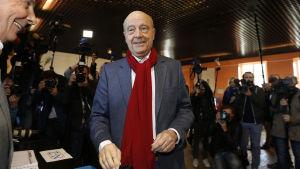 Alain Juppè, den förre premiärministern och långvarige borgmästaren i Bordeaux talar för tolerans och ett mångkulturellt Frankrike