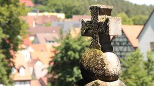 Kors över stupade i Velden
