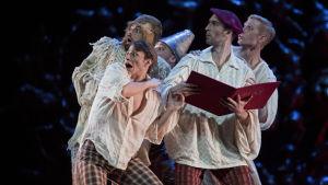 dansare med i Jorma Elos En midsommarnattsdröm 2015