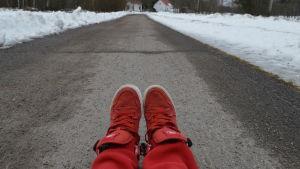 Ett par röda skor