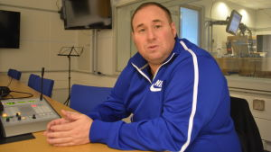 Mike Keeney är ny tränare för ESC:s fotbollslag i herrarnas division 2.