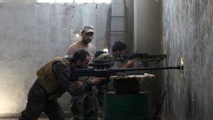 Syriska soldater i närheten av Aleppo