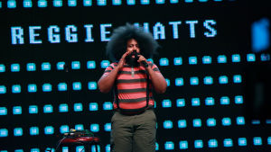 Mash Up -ohjelmassa Reggie Watts esiintyy.