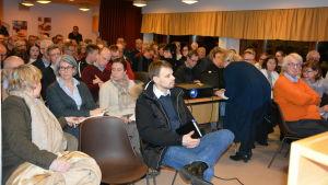 Det var fullt hus under NTN-centralens invånarkväll i Ingå.