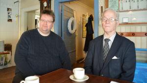 Arne Tasa och Kurt Askolin från Lojosamfundet.
