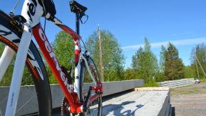 En triathloncykel är smal och smäcker