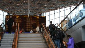 helsingfors-vanda flygplats i maj 2015, terminal 2