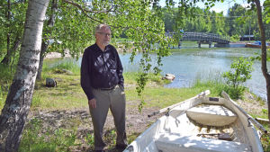 Gärningsmännen körde över Marbron hit till Moisö då de skulle göra sig av med liken. De hade en fördel eftersom de kände till området, säger professor Aromaa.