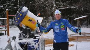 Sam Fransman med snömaskinen