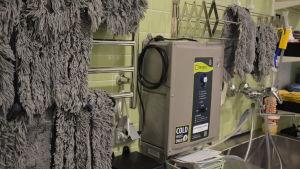Apparat som tillverkar ozonvatten.