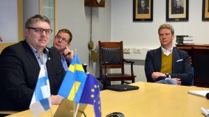 Regionpolischef Klas Johansson, bitr. regionpolischef Micael Säll Lindahl och polisområdeschef Lars Wahlberg.