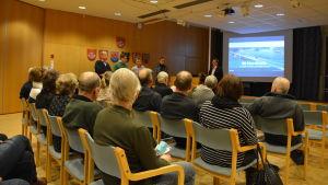 Gerhard Hakkarainen, Robert Mannström, Gert Wahtera, Anne Foley och Tarmo Tuominen från Nordkalk berättade om planerna på att utvidga gruvan.