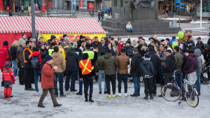 Demonstration på torget i Vasa.