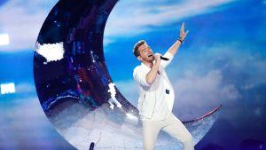 Österrikes sångare Nathan Trent på Eurovisionsscenen.