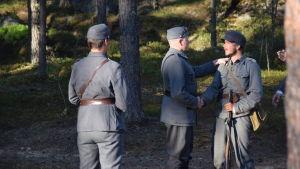 Hietanen tackas för sitt mod i Okänd soldat i Harparskog