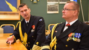 Arvi Tavaila och Kjell Törner på Nylands brigad.