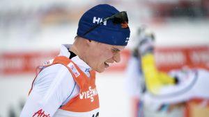 Matti Heikkinen pustar ut efter målgång, Tour de Ski, januari 2017.