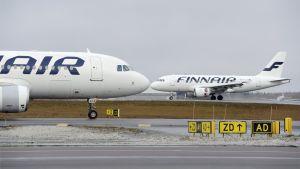 Finnairplan på Helsingfors-Vanda flygplats.