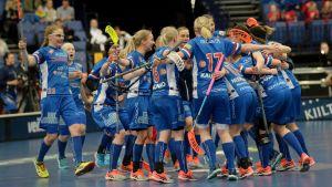 Classics spelare firar guldet i Helsingfors.