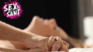 Ett par i sängen tillsammans