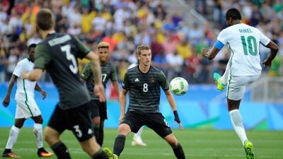 Nigeria vann trots turbulens