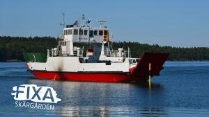 Förbindelsefartyget Nordick duck sommaren 2014