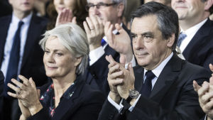 Francois Fillon och hans hustru Penelope på ett valmöte i Paris 29.1.2017