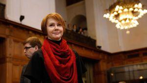 Ukrainas vice utrikesminister Olena Zerkal i ICJ i Haag 6.2.2017