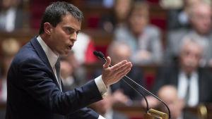Manuel Valls syns här på en bild som togs i franska parlamentet den 8 april.