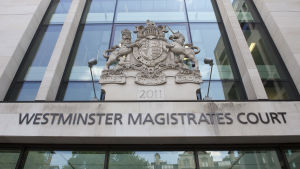 Domstol i London.