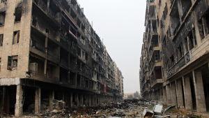 En gata i västra Aleppo efter att striderna avslutats 13.12-2016