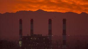 Ett oljekraftverk i San Fernando Valley, Kalifornien 10.3.2017